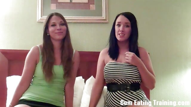 Young porn model teaches her sex naine girlfriend how to lesbian fuck