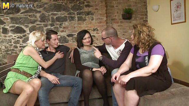 Porn star gave birth to video x de naine pissing orgasm